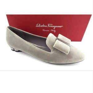 New FERRAGAMO Gray Logo Bow Loafer Flats 8.5 C